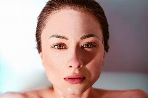 visage-femme-peau-ferme